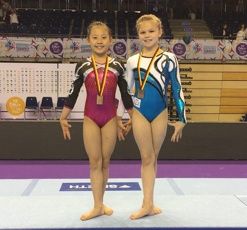 Kunstturnen Deutsche Jugendmeisterschaft - Klara Quach, GOLD am Boden, Maya Reichwald Bronze im Mehrkampf